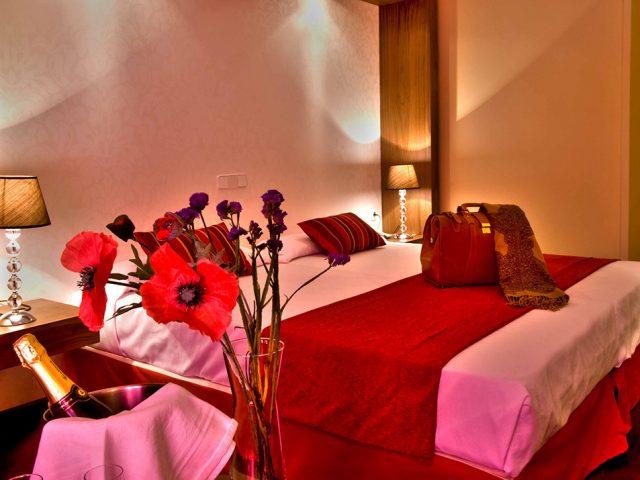 Interior habitación hotel husa