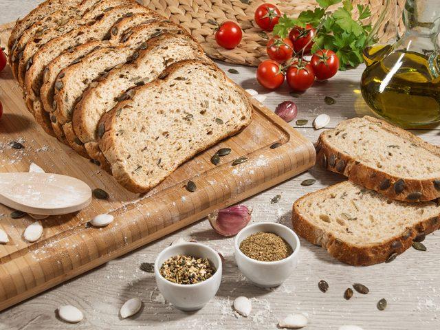 Fotografía de alimentación de pan Grupo DIA